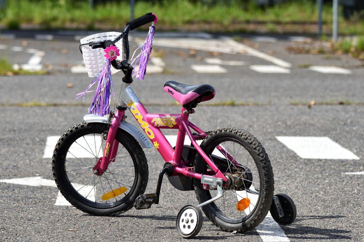 rowerek z bocznymi kołami